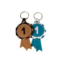 Winner show rosette key rings in beige and turquoise