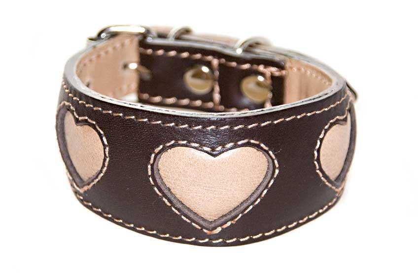 Beige hearts hound collar
