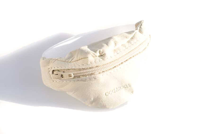 Dog training white leather arm treat pouch