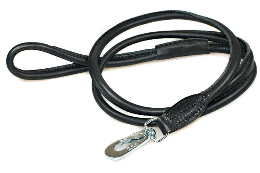 Mathcing premium black rolled leather lead