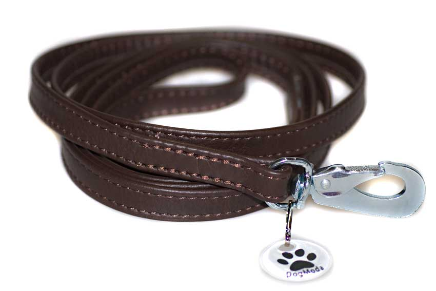 Strong, safe and lightweight trigger hooks on all leather dog leads sold by Dog Moda