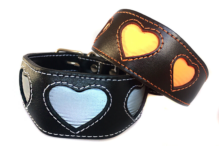 Dog Moda range of reflective hearts collars in flashlight
