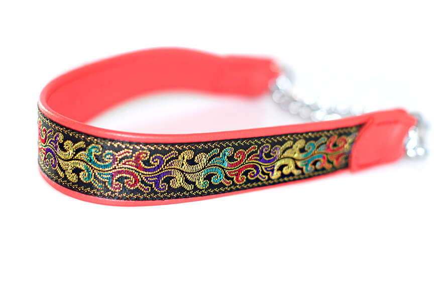 Wide red martingale collar