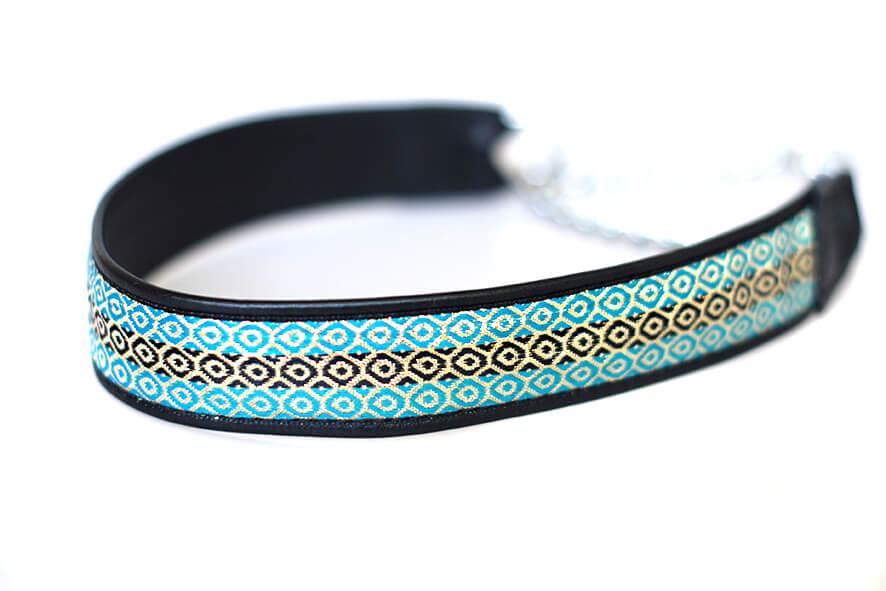 Wide black martingale collar