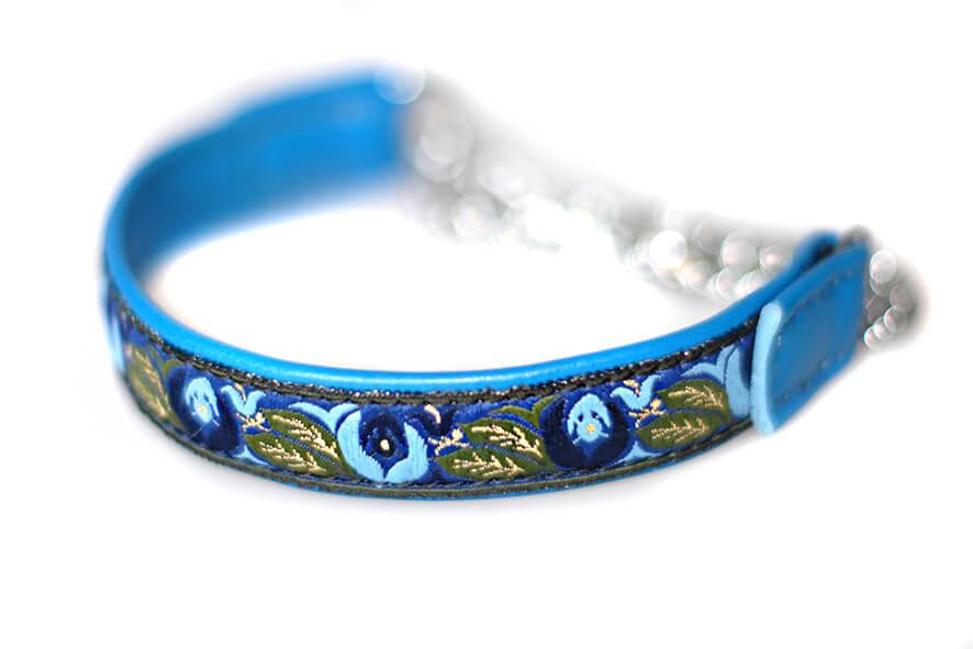 Blue martingale collar