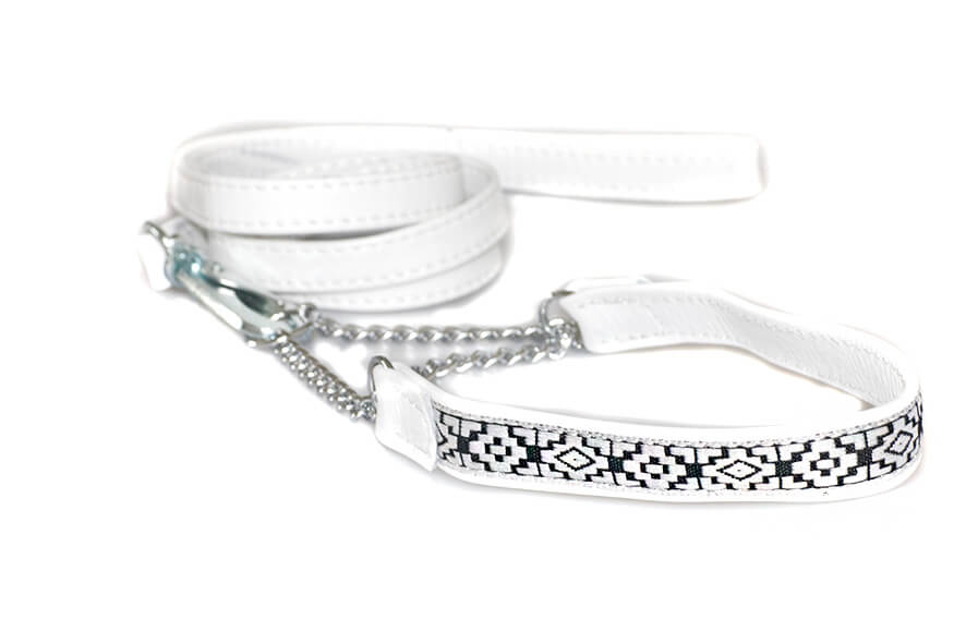 White martingale collar with white stitched lead