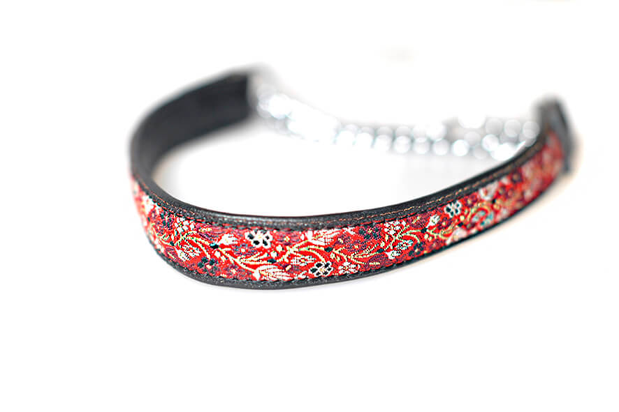 Black leather martingale collar
