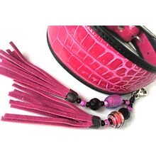 Add a matching tassel to jazz up your hound collar