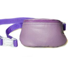 Zip closure for easy access to dog training treats