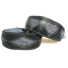 Tarras tweed hound collars in hearts and diamond designs