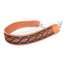 Wide tan martingale collar