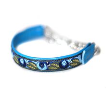 Blue martingale collar