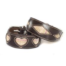 This whippet collar is also available in rhombi design