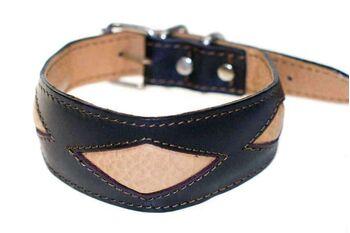Brown rhombi hound collar